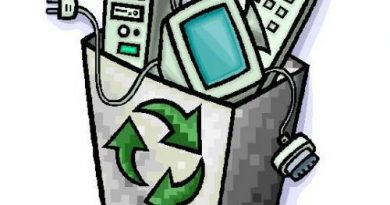 Cestino con rifiuti elettronici da riciclare